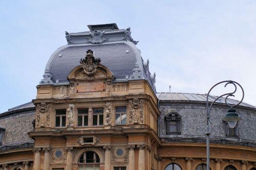 art nouveau opera baroque