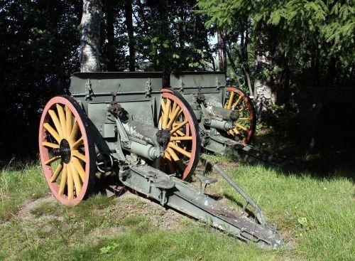 artillery monument hintta
