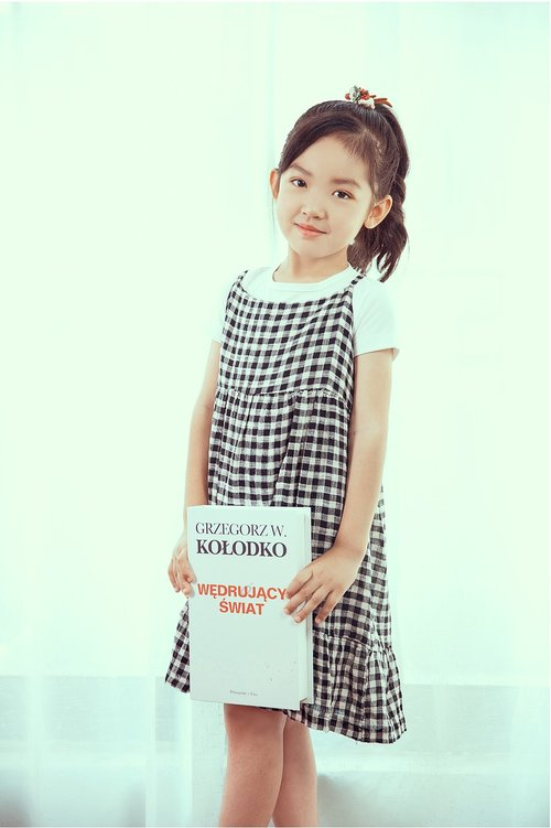 artistic photos  the little girl  cute
