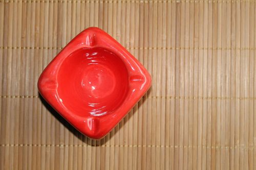 ashtray red form