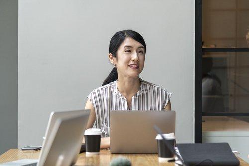 asian  business  businesswoman