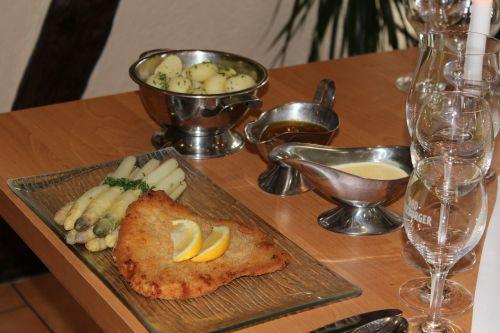 asparagus asparagus dish schnitzel