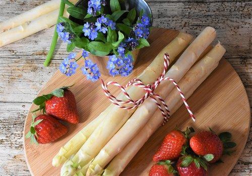 asparagus  spring  market