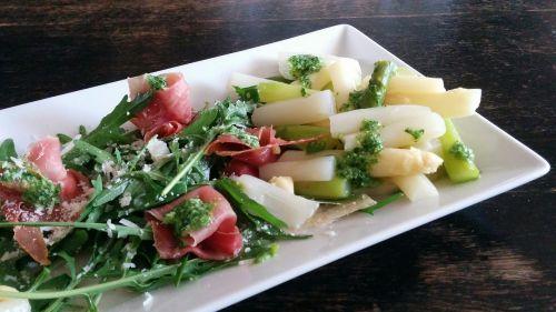 asparagus salad rocket