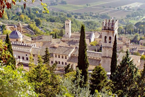 assisi tower of the people middle ages