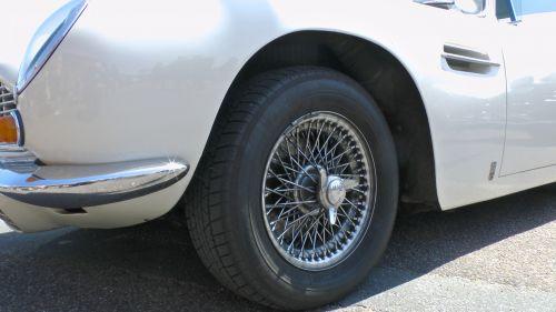 Aston Martin DB6 Front Wheel