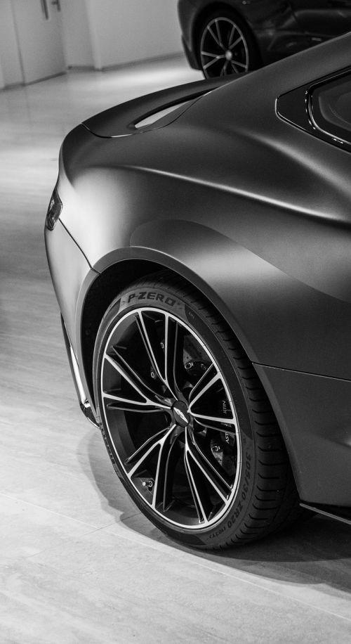 aston martin vanquish black wheel