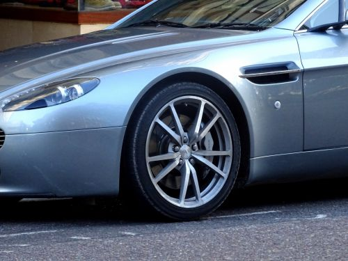 Aston Martin Vantage Car Wheel Arch