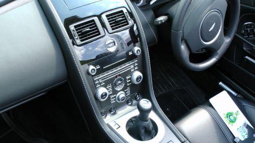 Aston Martin Vantage Gear Shift