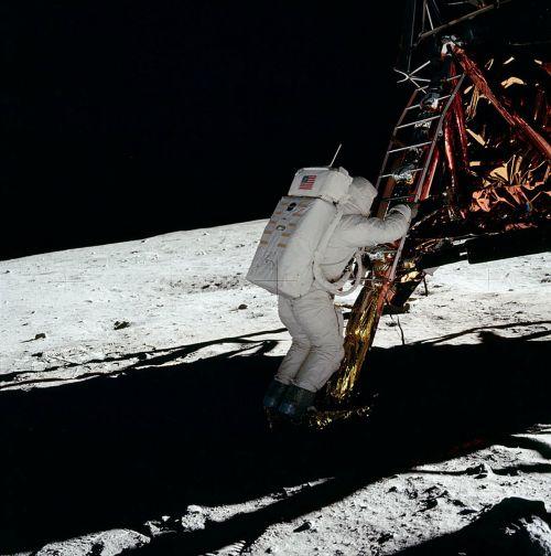astronaut space suit moon landing