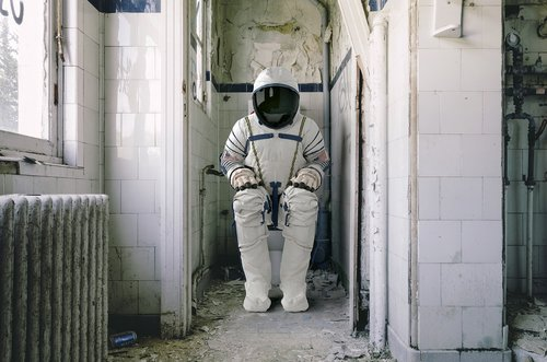 astronaut  wc  space travel