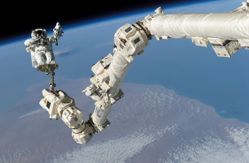 astronaut international space station space walk