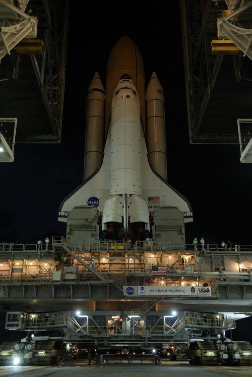 Atlantis erdvėlaivis,išvynioti,paleisti,padas,cape canaveral,florida,usa,raketa,stiprintuvas,misija,erdvėlaivis,erdvėlaivis,platforma,tyrinėjimas,skrydis,transporto priemonė