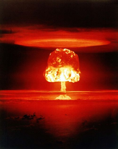 atomic bomb mushroom cloud explosion
