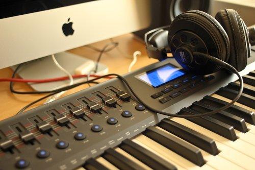 audio  apple  headphones