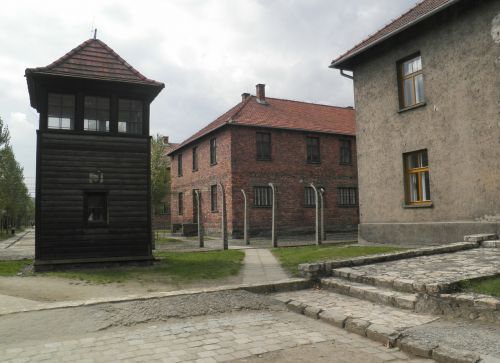 auschwitz concentration camp barak