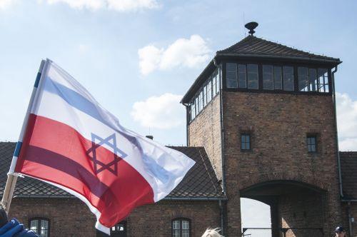 auschwitz flag poland