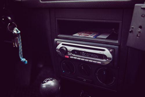 auto radio music