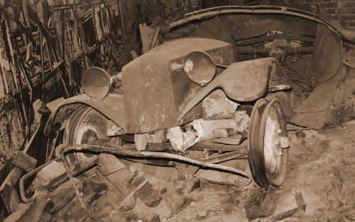 auto war scrap