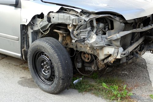 auto  accident  vehicle