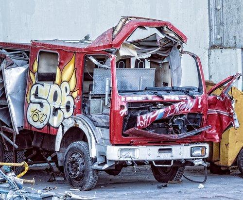 auto  truck  scrap