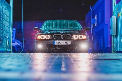 auto  sport  vehicle