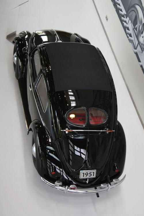autostadt wolfenburg vw beetle
