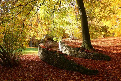 ruduo,sugadinti,laiptai,kritimo lapija,laiptų žingsnis,pilies parkas,ludwigslust-parchim,grote,vejos eisensteinas,rasenerz,susitraukimo akmuo,akmens laiptai