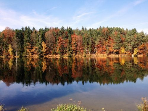 autumn lake mirroring
