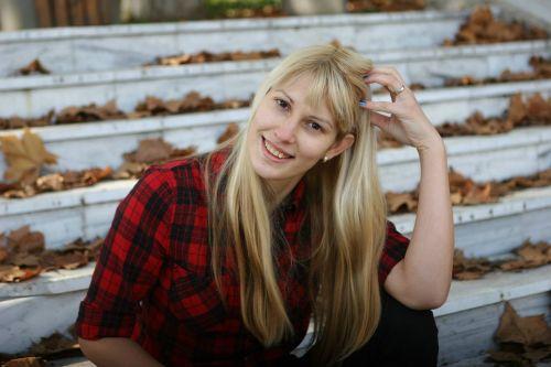 rudens spalvos,ruduo,kritimas,gamta,geltona,sezonas,lapai,klevas,spalvinga,Spalio mėn,lapai,sezoninis,auksinis,auksiniai plaukai,Šviesiaplaukis,mielas,miela blondinai,miela mergina,mergaitė,jaunas,jaunuolis,september,gyvas,rudens,geriausia šypsena kada nors,geriausia šypsena,švelnus šypsena,šypsena,smiley,teigiamas vibes,teigiama mergina