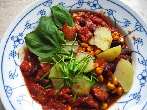 autumn dish tomato-corn stew kukuruztopf