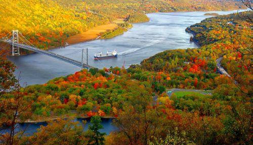 kraštovaizdis, upė, vaizdingas, ruduo, rudens & nbsp, fonas, valtis, laivas, tiltas, vanduo, medžiai, lapai, žalias, ruda, saulės šviesa, oranžinė, vaizdas, gražus & nbsp, kraštovaizdis, gražūs kraštovaizdžiai & nbsp, rudens kraštovaizdis