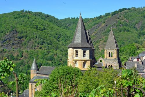 aveyron conques abbey