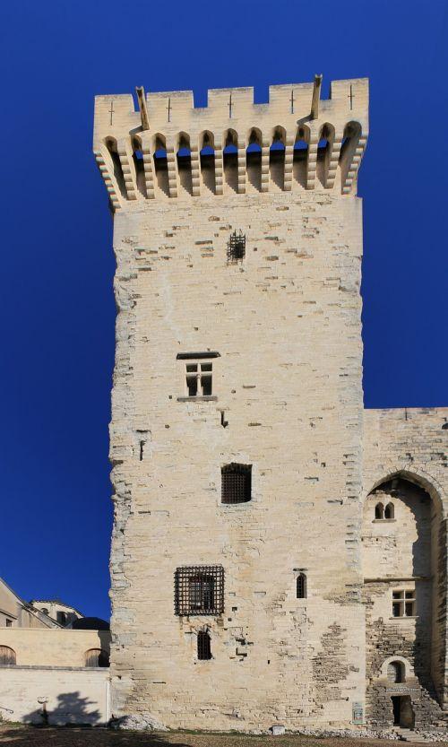 avignon tower architecture