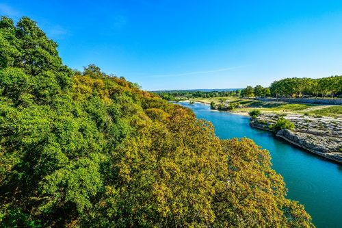 avignon river south of france