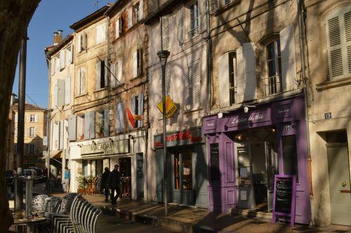 avignon france architecture