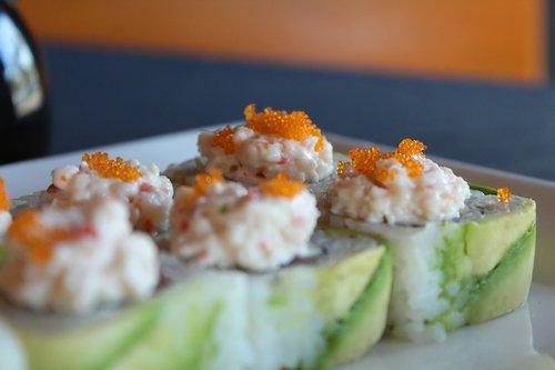 avocado  rolls  sushi