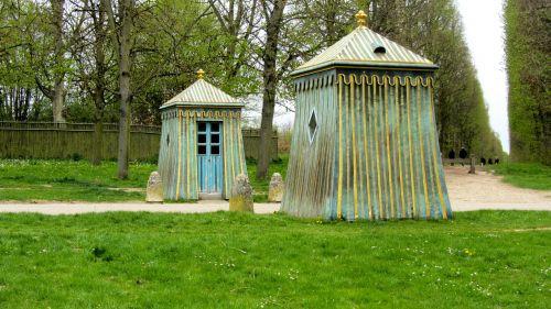 awake houses versaille garden