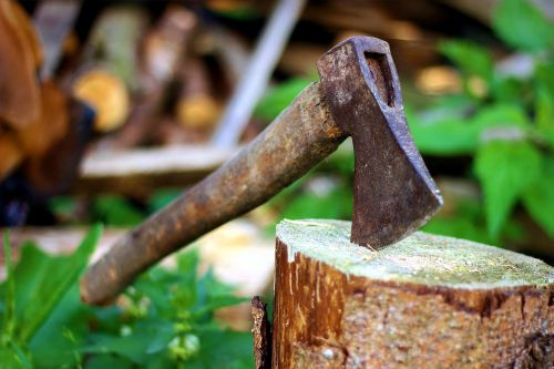 axe,old,lumberjack,blade,background,chop,hatchet,block,work,tree,wood,metal,equipment,cut,handle,sawn timber,green,rusty,forest,wooden,steel,tool