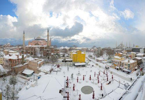 aya sofia sultanahmet snow