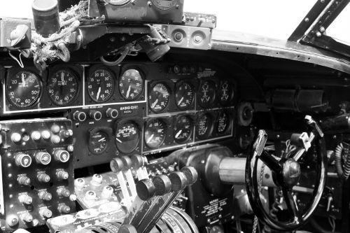 b-24 cockpit plane