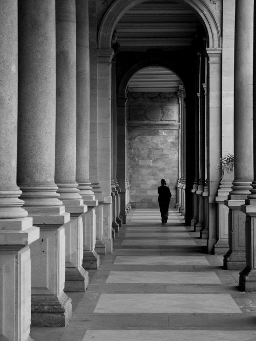 b w photography architecture the colonnade