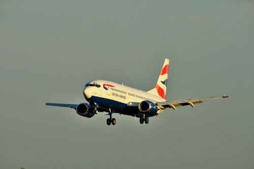 Ba B-737 Coming In For Touch Down