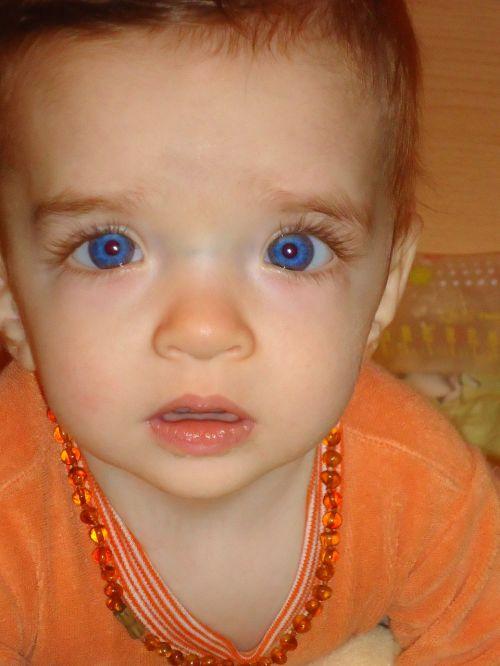 baby face blue eyes