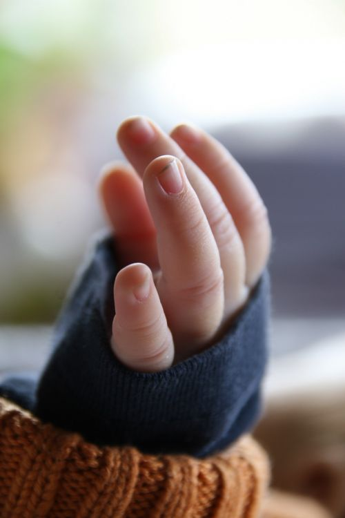 baby hand finger