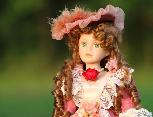 baby doll retro lady
