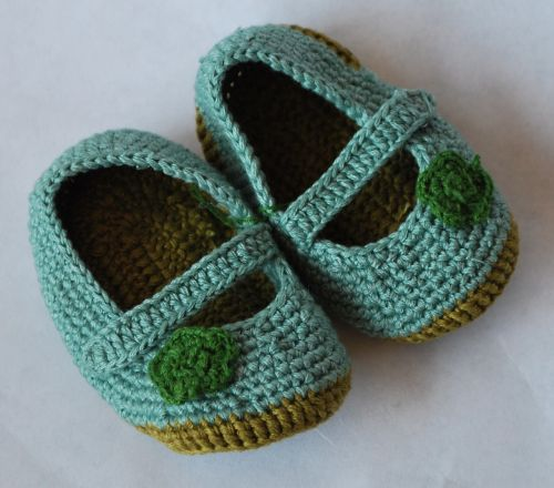 baby shoes knit blue