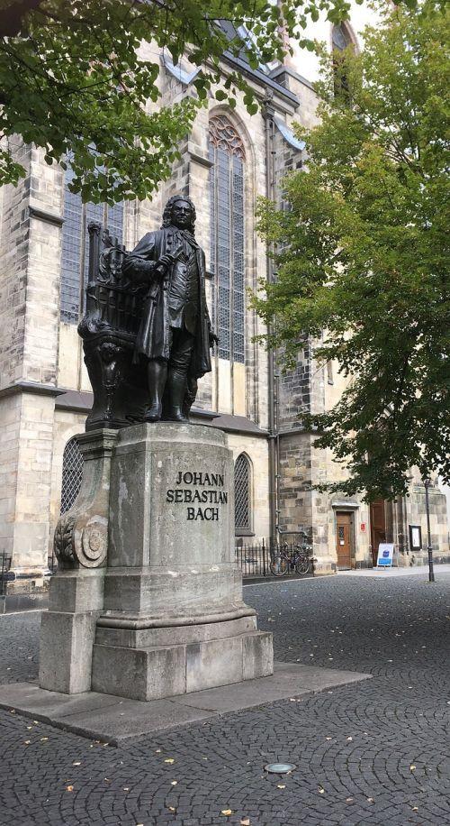 bach monument leipzig bach