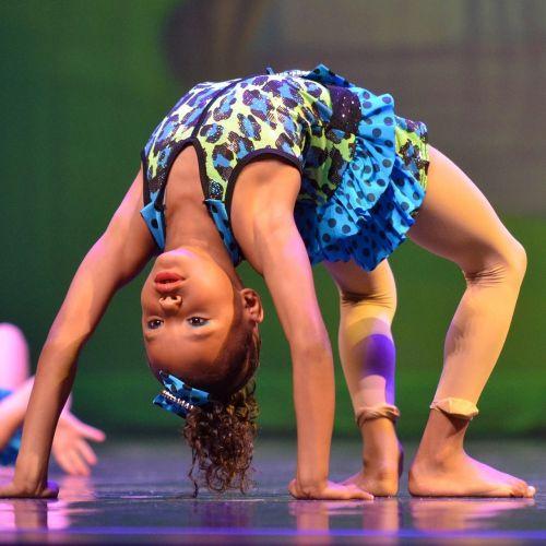 backbend acrobat girl