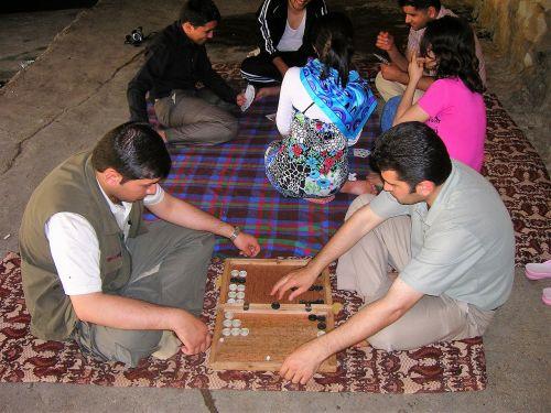 backgammon play game board